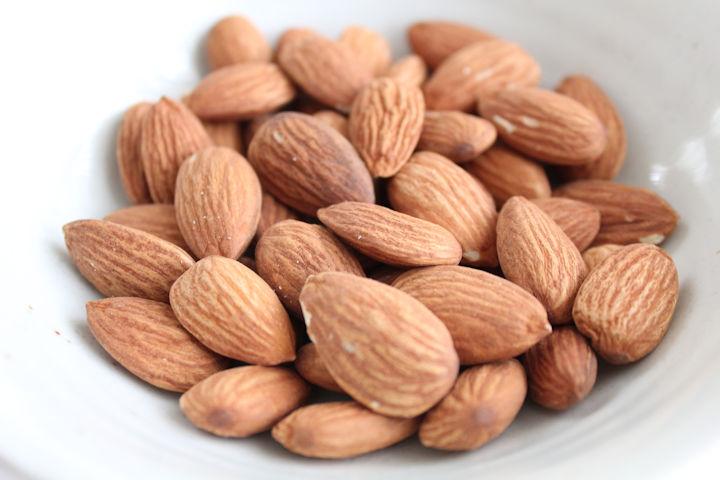 ビタミンE豊富なナッツ