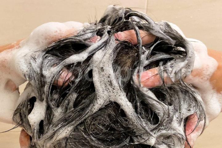 ドライシャンプーの活用で頭皮の洗い過ぎ予防